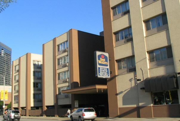Best western river north hotel hotels near north side for River hotel chicago