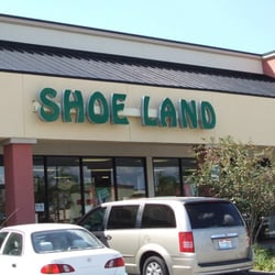 February 2007 Shoe Land^, an established family footwear retailer operating 16 stores located in Atlanta, Orlando, and Tampa, has hired Kim Parrish Creative