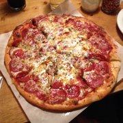 Walking Man Brewing - Stevenson, WA, États-Unis. Pepperoni pizza