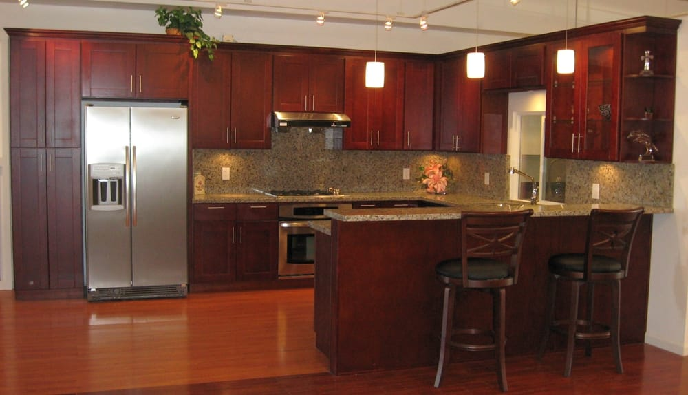 American cherry shaker style cabinets with butterfly for Shaker style kitchen with granite
