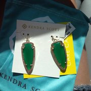 Kendra Scott - Houston, TX, États-Unis. St pattys day ready!