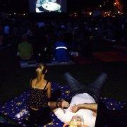 Open Air Kino im Juli/Juli. Wiese…