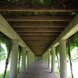 Central Park - Louisville, KY, États-Unis. Under the arbor