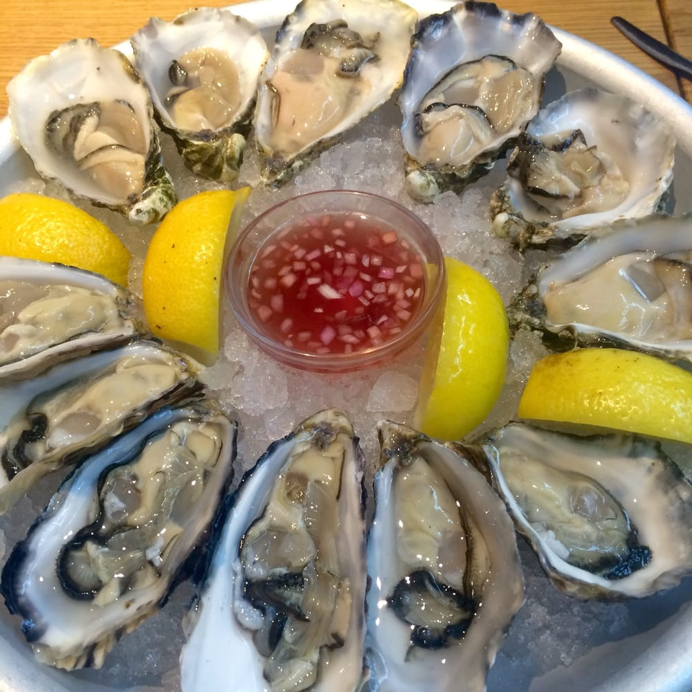 Oesters from brittany and normandy utah beach nom yelp for Seafood bar spui 15