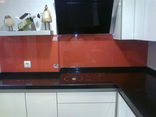 Frente de cocina en cristal de color yelp for Frente cocina cristal