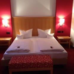 Doppelzimmer-Betten (halbe Suite)