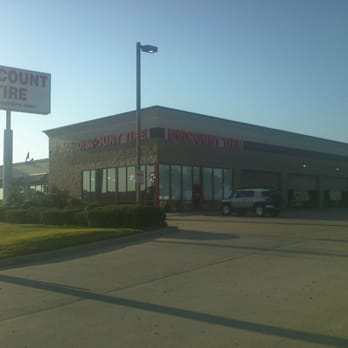 Discount Tire Storefront