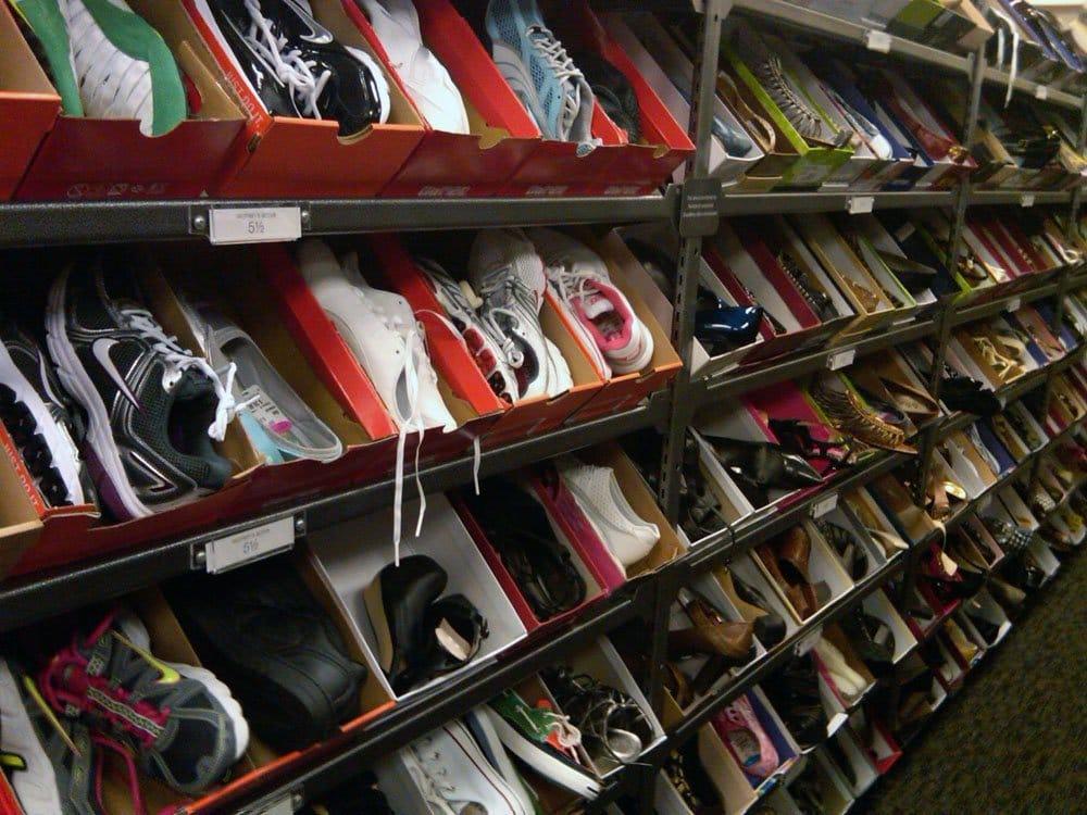 Nordstrom-Shoe-Department.jpg