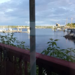The Landings Restaurant - Rockland, ME, États-Unis. Great views of the bay.