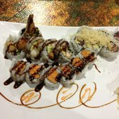 Royal Ginger Asian Fusion Bistro - 3 roll combo $10.99 - Columbus, OH, Vereinigte Staaten