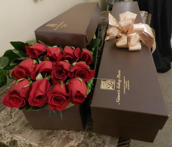 1 dozen long stem red roses box | Yelp