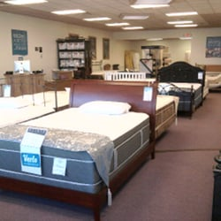 "Price Comparisons 9-Inch QUEEN Memory Foam  Price Comparisons 9-Inch QUEEN Memory Foam Mattress With 4"" Of Medium-Firm Visco Elastic Memory Foam With 2 Free GEL Pillows   Mattress With 4"" Of Medium-Firm Visco Elastic Memory Foam With 2 Free GEL Pillows"