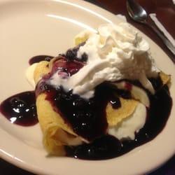 Village Inn - Lemon blueberry crepes - Colorado Springs, CO, Vereinigte Staaten