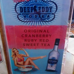 Pluckers Wing Bar - Vodka that is telling the truth...enough of it and you will end up naked with your clothes off - Grapevine, TX, Vereinigte Staaten
