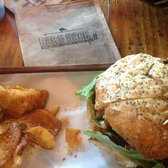 Bare Back Grill - Queenstown Fave Burger: so good with BBG sauce! - San Diego, CA, Vereinigte Staaten