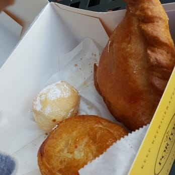Porto's Bakery & Cafe - Downey, CA, United States. Kisses, empanadas ...