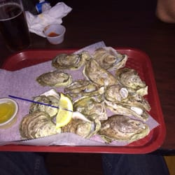 Rick's Crab Trap - Steamed oysters!! $6 a dozen you can't beat that - Fort Walton Beach, FL, Vereinigte Staaten
