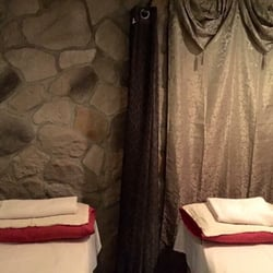 couple massage with happy ending Cairns