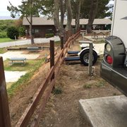 Pelican Point RV Park - Half Moon Bay, CA, États-Unis. Thank God dolly didn't break fence and fall downhill to other RV below.