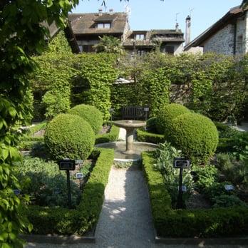 Le labyrinthe jardin des cinq sens 12 photos for Jardin des 5 sens yvoire