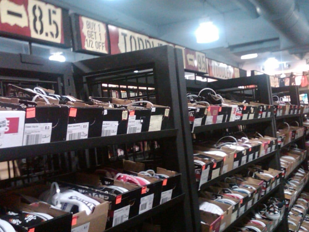 vans outlet mall