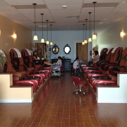 Tip and toe paradise nail salons maple valley wa for 108th and maple nail salon