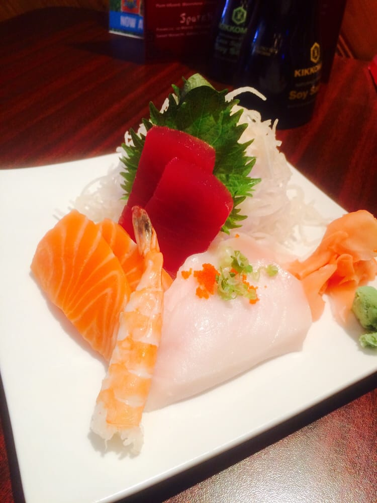 Oyama sushi japanese restaurant 40 fotos sushi iowa for Asian cuisine grimes ia menu