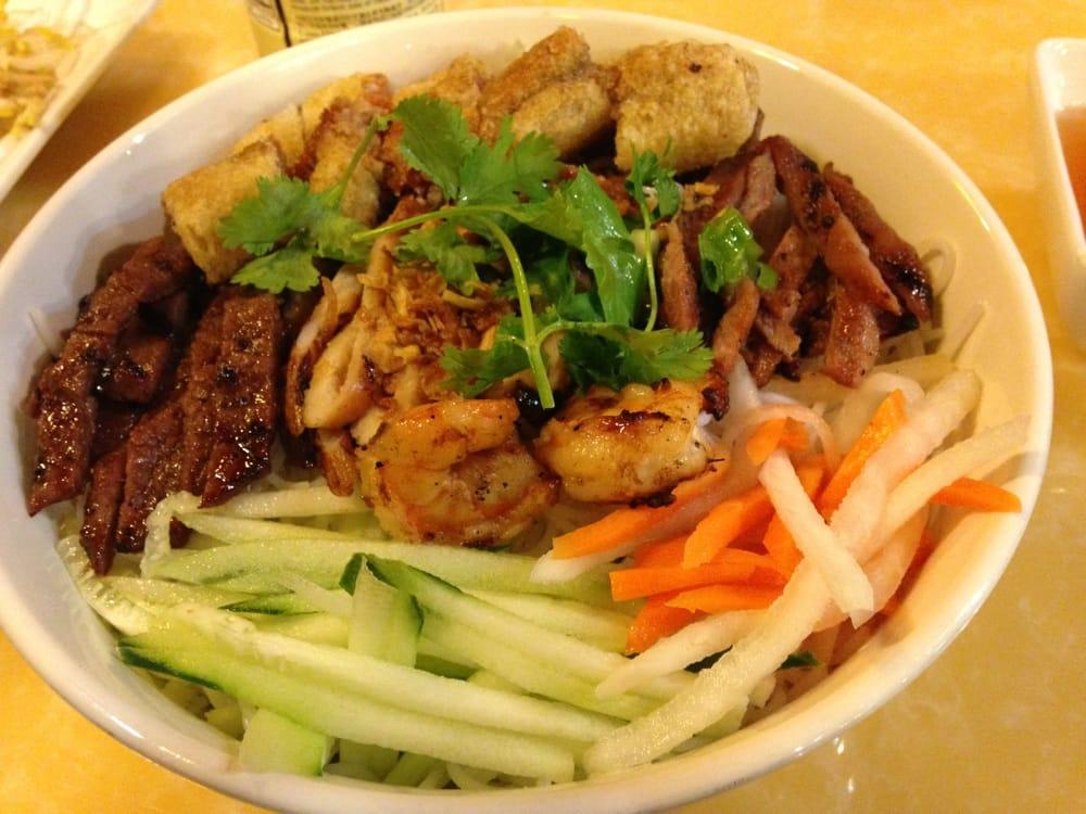 - Vietnamese cuisine pho ...