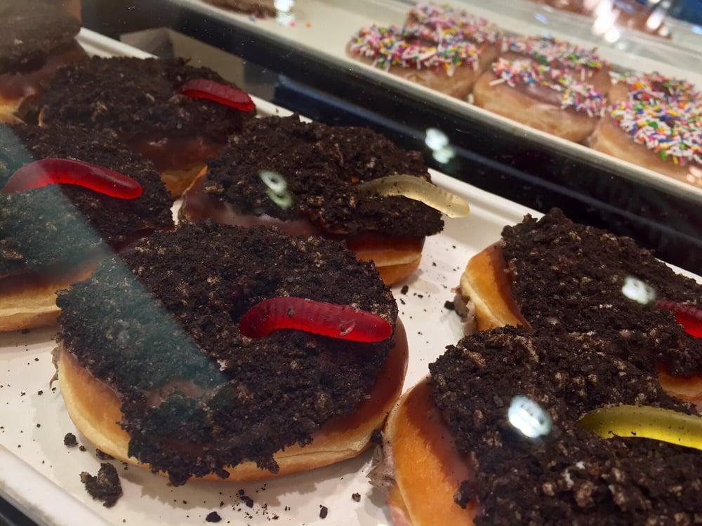 Krispy Kreme Oreo Dirt Cake Oreo Dirt Cake Donuts