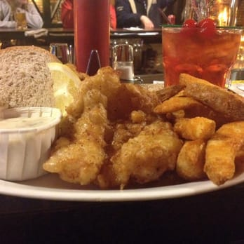 Fritz s pub 36 photos pubs polonia milwaukee wi for Best fish fry in milwaukee