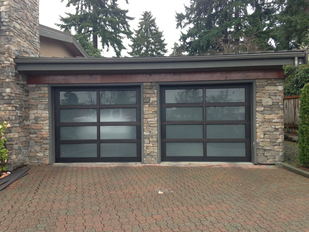 Sound garage door services garage door services renton for Garage door repair renton