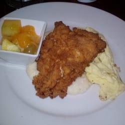 Shango Bistro and Wine Bar - Buttermilk Fried Chicken - Buffalo, NY, Vereinigte Staaten