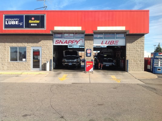 Snappy lube oil change stations 4143 w division st for Eich motors st cloud minnesota
