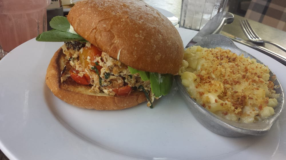 Brown bag chicken sandwich w/ mac & cheese | Yelp