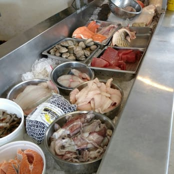 Tom robinson s seafood seafood markets carrboro nc for Fish market greensboro nc