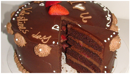 Cake With Chocolate Ganache And Strawberry Filling : Triple chocolate with strawberry: chocolate cake ...