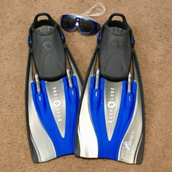 Beach Cities Scuba Center - Dana Point, CA, États-Unis. My new fins and goggles