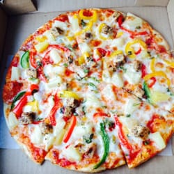 Gugu's Pizza & Pasta - Caribbean jerk chicken pizza on super thin ...
