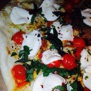 Parisi Italian Market & Deli - Capri pizza yum! - Denver, CO, Vereinigte Staaten