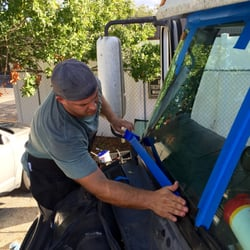 Orlandos windshield repair auto glass services holden for Window replacement orlando
