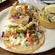 OceanBleu at Gino's Fish Market & Cafe - Rockfish tacos grilled. - Newport, OR, Vereinigte Staaten