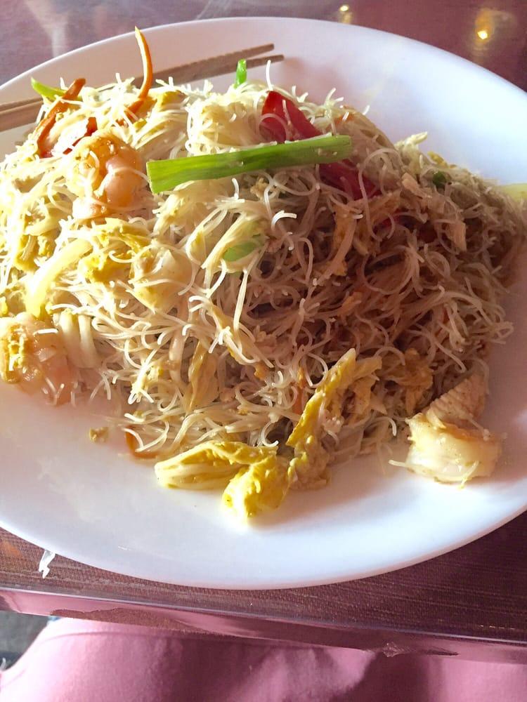 Singapore restaurant sushi bar 33 photos japanese for Asian cuisine 08054