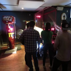 The Wreck Room - San Francisco, CA, États-Unis. Boxing, skee ball, basketball.