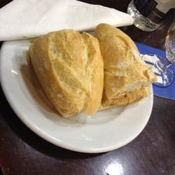Bocata de tortilla de atún