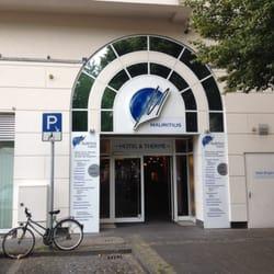 Der Eingang des Hotels