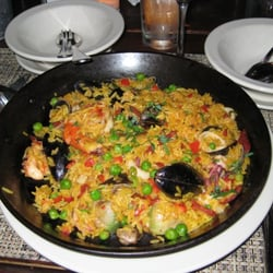 The Neptune Room - New York, NY, États-Unis. the giant paella...