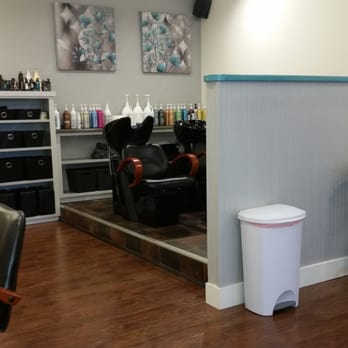Genesis salon and spa 11 photos hair salons 302 s for Vernon salons