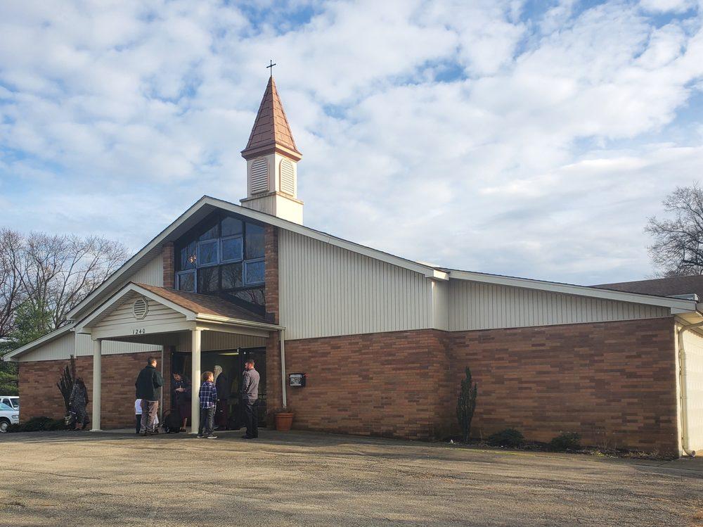St Benedict's Traditional Roman Catholic Church: 1240 Matha Ave, Louisville, KY