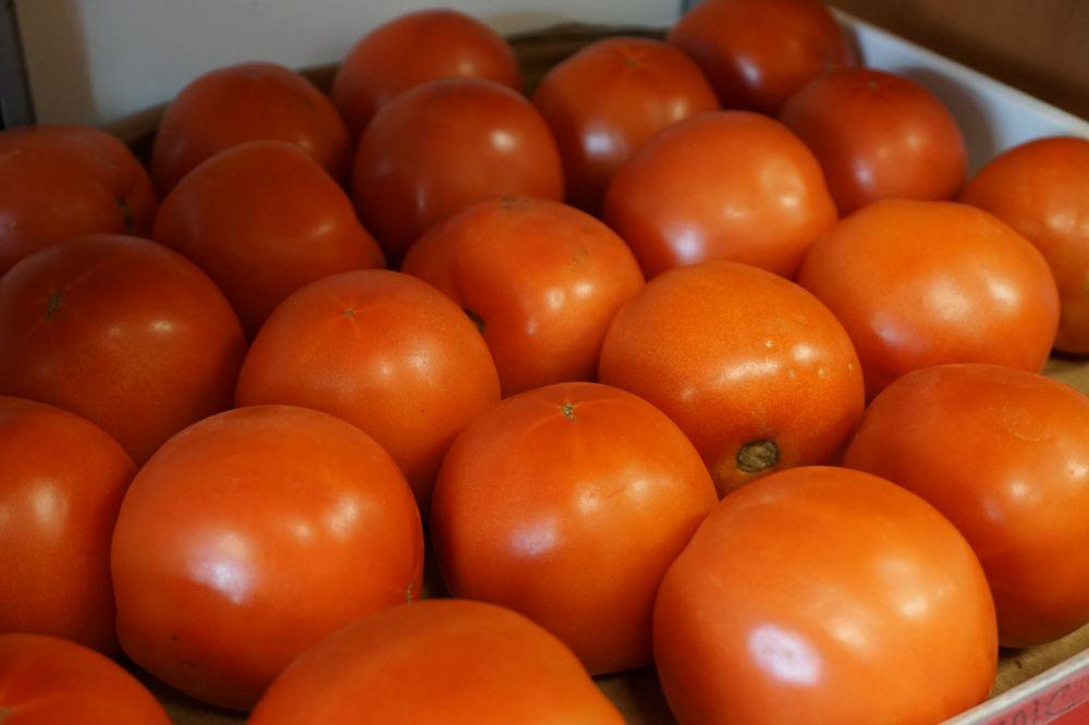 Community Garden Market: 148 N Washington St, Berkeley Springs, WV