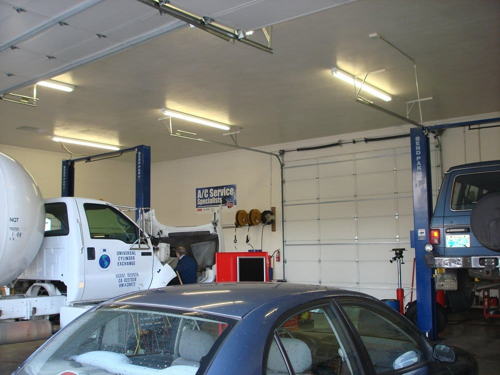 Grants Pass Towing & Repair: 103 Merlin Rd, Merlin, OR